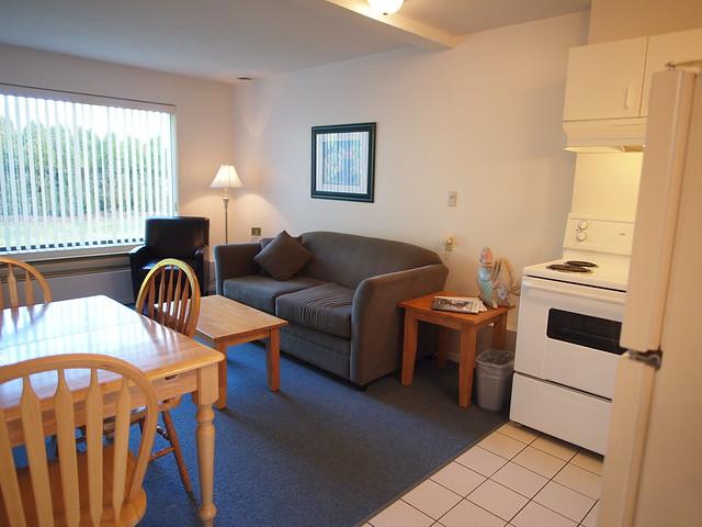 Deluxe-kitchen-suite-13