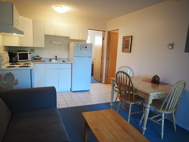 Deluxe-kitchen-suite-14